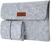 Laptop Vilten Soft Sleeve | Met Handtas voor Lader & Muis | Geschikt voor Macbook Air / Pro (Retina) 13 Inch & Ipad Pro | 13.3 Laptop Case | Bescherming Cover Hoes | Cadeau voor man & vrouw | Lichtgrijs