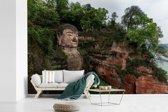 Fotobehang vinyl - De Chinese Grote Boeddha van Leshan in Leshan breedte 540 cm x hoogte 360 cm - Foto print op behang (in 7 formaten beschikbaar)