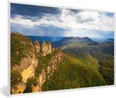 Foto in lijst - Groene bergen in Nationaal park Blue Mountains in Oceanië fotolijst wit 60x40 cm - Poster in lijst (Wanddecoratie woonkamer / slaapkamer)