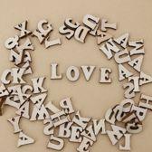 Klein houten letters - mix van 200 stuks lettertjes van 1,5 cm - voor scrapbooking, decoratie, hobby etc.
