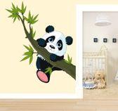 Muursticker Klimmende Panda 40x46cm - leuke kinderkamer muursticker