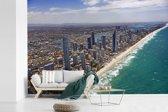 Fotobehang vinyl - Luchtfoto van de Gold Coast in Australië breedte 450 cm x hoogte 300 cm - Foto print op behang (in 7 formaten beschikbaar)