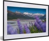 Foto in lijst - Meer in het Nationaal park Arthur's Pass in Nieuw-Zeeland fotolijst zwart met witte passe-partout 60x40 cm - Poster in lijst (Wanddecoratie woonkamer / slaapkamer)