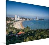 Uitzicht over het strand van Qingdao in China Canvas 90x60 cm - Foto print op Canvas schilderij (Wanddecoratie woonkamer / slaapkamer) / Aziatische steden Canvas Schilderijen