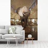 Fotobehang vinyl - Grote olifant in het Natural History Museum in Londen breedte 240 cm x hoogte 360 cm - Foto print op behang (in 7 formaten beschikbaar)