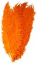 2x Grote decoratie veren/struisvogelveren oranje 50 - Hobby/knutsel materiaal - Sierveren/decoratie veren