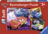 Ravensburger Disney Cars. Op de Racebaan- Drie puzzels van 49 stukjes - kinderpuzzel