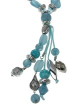 lange ketting met diverse decoratieve kralen