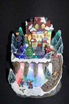 Kerstdorp met waterval