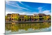 Oude stad Hanoi in Vietnam bij Thu Bon-rivier Aluminium 90x60 cm - Foto print op Aluminium (metaal wanddecoratie)