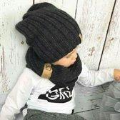 Muts met sjaal - Beanie - Antraciet: De Winter Favoriet! - Voor kinderen vanaf 3 tot ongeveer 9 jaar.