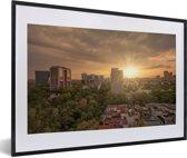 Foto in lijst - Zonnestralen schijnen over Mexico-stad fotolijst zwart met witte passe-partout 60x40 cm - Poster in lijst (Wanddecoratie woonkamer / slaapkamer)