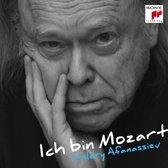Valery Afanassiev Plays Mozart