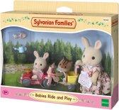 Sylvanian Families 5040 Rijdend Speelgoed Voor Baby'S    - Speelfigurenset