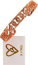 B.loved armband rosékleurig met glimsteentjes.