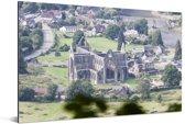 Luchtfoto van de Tintern Abbey en het dorpje Tintern Aluminium 180x120 cm - Foto print op Aluminium (metaal wanddecoratie) XXL / Groot formaat!