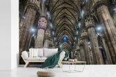 Fotobehang vinyl - Het interieur van de binnenkant van de Kathedraal van Milaan breedte 390 cm x hoogte 260 cm - Foto print op behang (in 7 formaten beschikbaar)