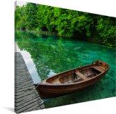 Bootje in het Nationaal park Plitvicemeren Canvas 80x60 cm - Foto print op Canvas schilderij (Wanddecoratie woonkamer / slaapkamer)
