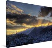 De oude stad Quito in Zuid-Amerika tijdens zonsondergang Canvas 180x120 cm - Foto print op Canvas schilderij (Wanddecoratie woonkamer / slaapkamer) XXL / Groot formaat!