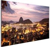 FotoCadeau.nl - Rio de Janeiro in de avond Aluminium 60x40 cm - Foto print op Aluminium (metaal wanddecoratie)