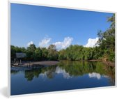 Foto in lijst - Weerspiegeling van het groene landschap van het Nationaal Park Alas Purwo fotolijst wit 60x40 cm - Poster in lijst (Wanddecoratie woonkamer / slaapkamer)