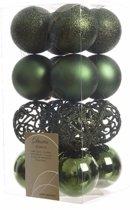 Kerstboom decoratie kerstballen mix groen 16 stuks