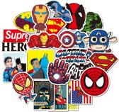 Mix van 50 verschillende stickers met Superhelden als Iron Man, Batman, Superman, Spiderman etc. Voor laptop, skateboard etc. Sticker bombing