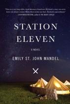 Station Eleven [Large Print Version]