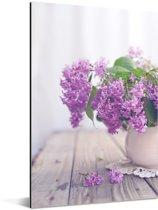 Vaas met een paarse sering Aluminium 60x90 cm - Foto print op Aluminium (metaal wanddecoratie)