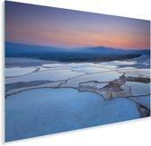 Kleurrijke luchtformatie boven Pamukkale in Turkije Plexiglas 60x40 cm - Foto print op Glas (Plexiglas wanddecoratie)