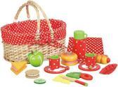 picknickmand met servies en speelgoed eten