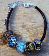 2 Love it Picasso - Armband - Leer - Glaskralen - Blauw - Geel - Zwart - Zilverkleurig