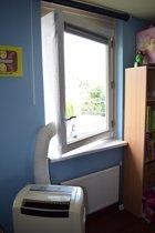 Airlock Raamafdichting / Easy Windowsealing voor airconditioner slang door ramen van max. 170 cm hoog en 90 cm breed