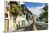 Tropisch straatbeeld van de Spaanse Santa Cruz Aluminium 90x60 cm - Foto print op Aluminium (metaal wanddecoratie)