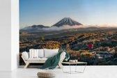 Fotobehang vinyl - Uitzicht over het Nationaal park Tongariro in Oceanië breedte 330 cm x hoogte 220 cm - Foto print op behang (in 7 formaten beschikbaar)