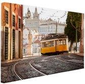 Tram in Lissabon Canvas 80x60 cm - Foto print op Canvas schilderij (Wanddecoratie woonkamer / slaapkamer) / Steden Canvas Schilderijen