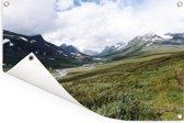 De groene valleien in het Nationaal park Sarek in Zweden Tuinposter 60x40 cm - klein - Tuindoek / Buitencanvas / Schilderijen voor buiten (tuin decoratie)