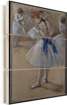 Dancer - Schilderij van Edgar Degas Vurenhout met planken 60x90 cm - Foto print op Hout (Wanddecoratie)
