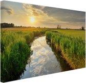 Kreek bij zonsondergang Canvas 30x20 cm - klein - Foto print op Canvas schilderij (Wanddecoratie woonkamer / slaapkamer)