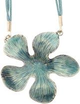 Blauwe ketting van touw met bloem hanger