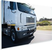 Afbeelding van de voorkant van een vrachtwagen Plexiglas 180x120 cm - Foto print op Glas (Plexiglas wanddecoratie) XXL / Groot formaat!