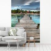 Fotobehang vinyl - Uitzicht op de pier op het strand bij het Mexicaanse Isla Mujeres breedte 175 cm x hoogte 260 cm - Foto print op behang (in 7 formaten beschikbaar)