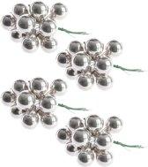 40x Mini glazen kerstballen kerststekers/instekertjes zilver 2 cm - Zilveren kerststukjes kerstversieringen glas