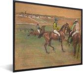 Foto in lijst - Race Horses - Schilderij van Edgar Degas fotolijst zwart 50x40 cm - Poster in lijst (Wanddecoratie woonkamer / slaapkamer)