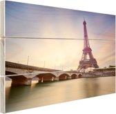 FotoCadeau.nl - De Eiffeltoren aan de Seine Hout 80x60 cm - Foto print op Hout (Wanddecoratie)