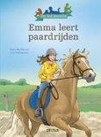 De leesbende Emma leert paardrijden